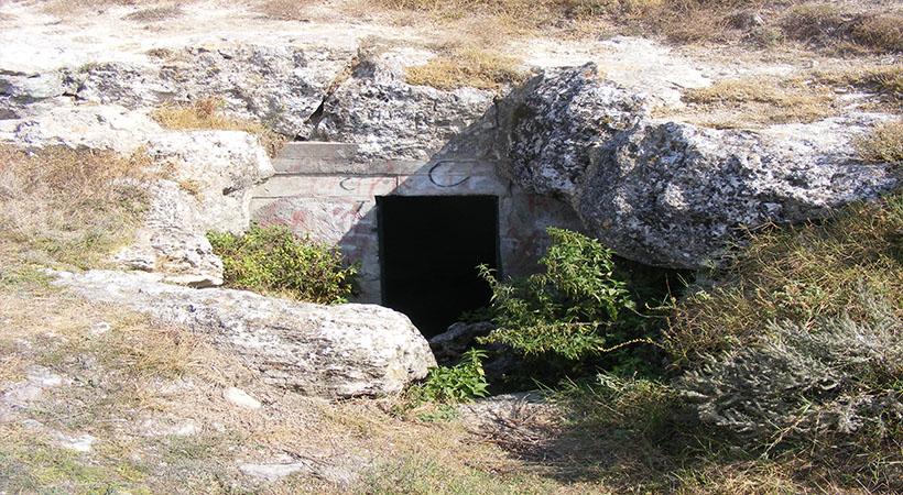 intrarea in Pestera Limanu