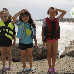 copii pe plaja 2 Mai