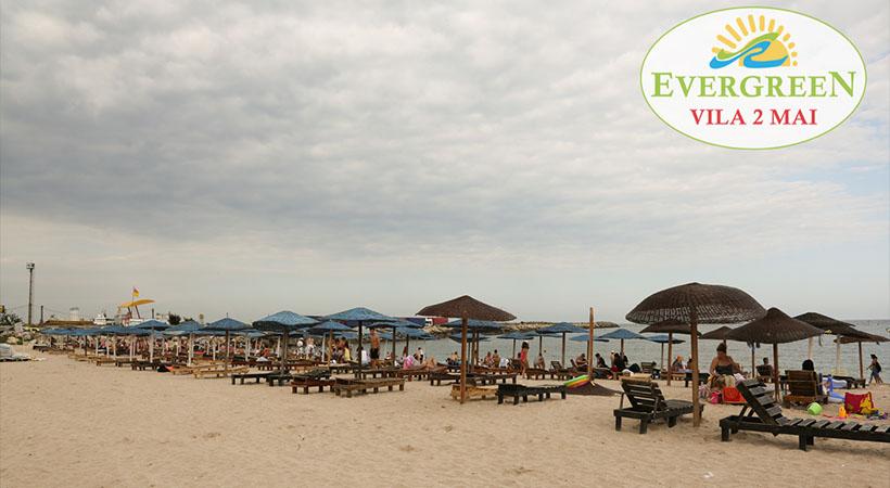 Plaja 2 Mai la cativa metri de vila